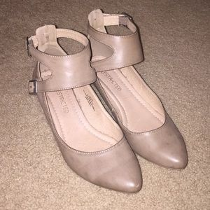 Nude / Taupe Flats